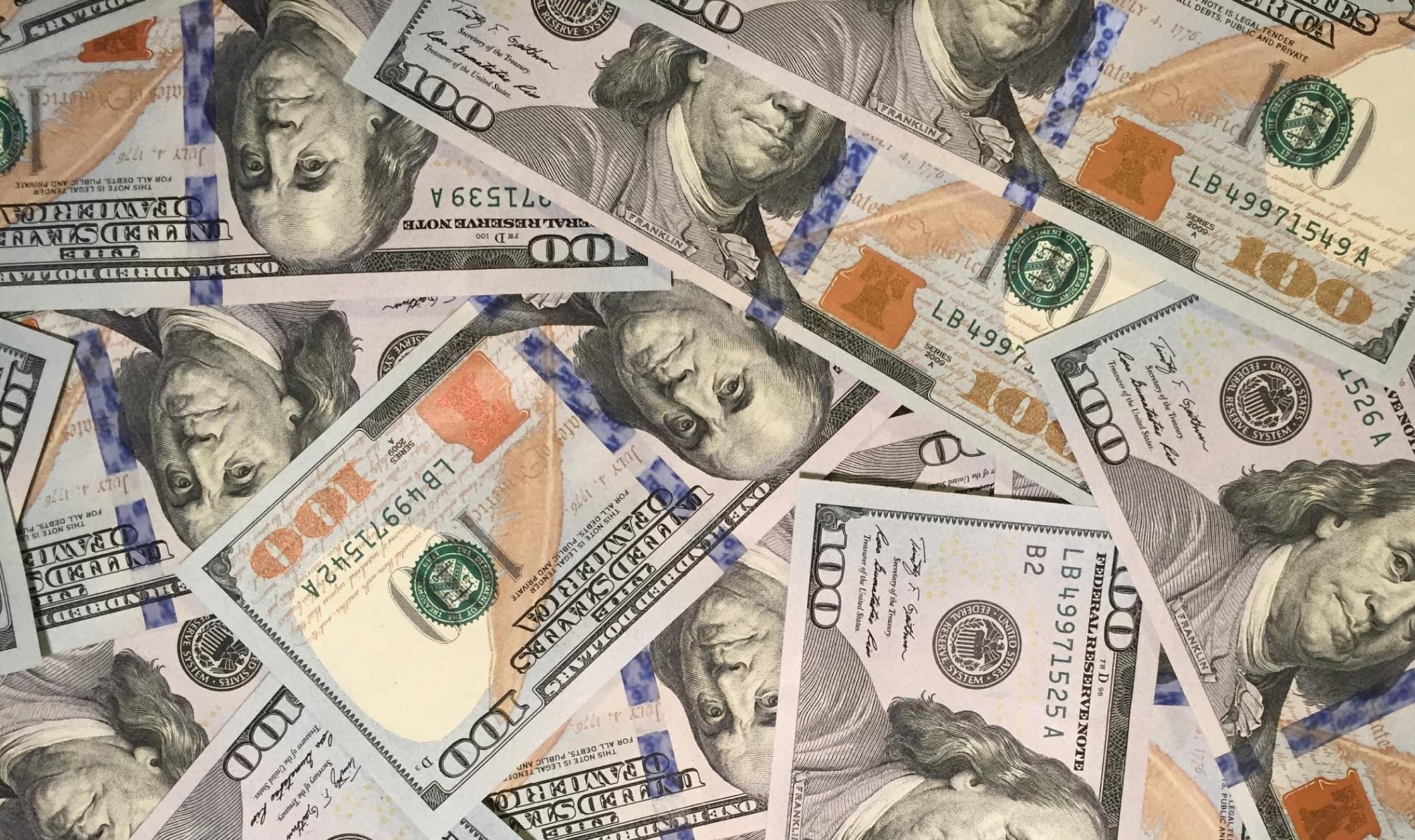 100-dollar-bills-min